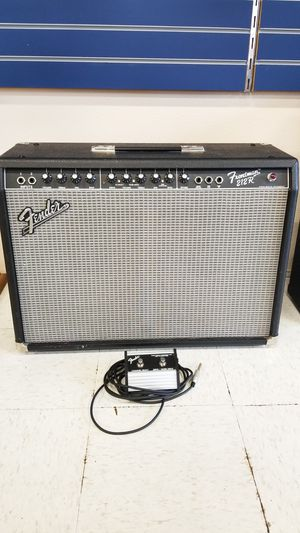 FenderFrontman 212R Guitar Amplifier (773230-1) for Sale in Tacoma, WA