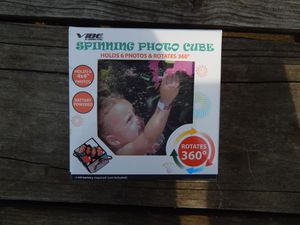 Spinning Photo Cube for Sale in Monroe, LA