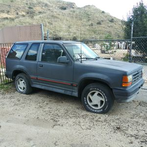 1993 Ford Explorer Sport model for Sale in Castaic, CA