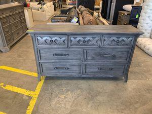 Martin Svensson Home Mendocino 7 Drawer Dresser Grey for Sale in Mount Vernon, WA