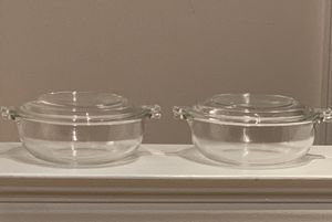 "2 Pyrex Glass Bowls with Lids—5.5"" for Sale in Vienna, VA"