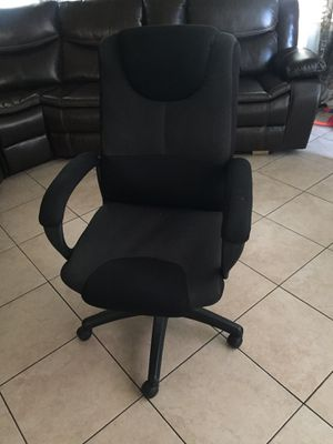 Desk chair for Sale in South Gate, CA