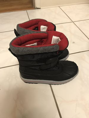 Snow boots size 1 and size 2 for Sale in San Leandro, CA