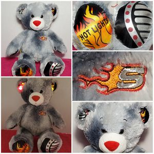"""15"""" Build A Bear Sketcher Hot Lights Up BABW Gray Plush Teddy Fire Flames EUC for Sale in Dale, TX"""