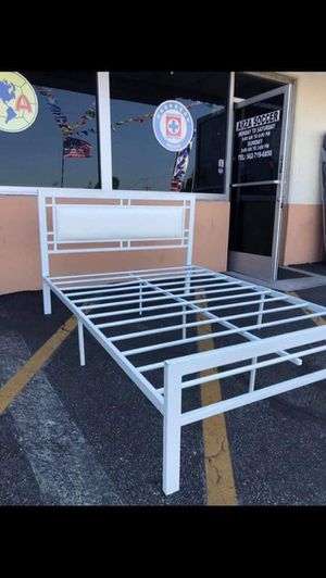 METAL BED FRAME ONLY FULL SIZE for Sale in Ventura, CA