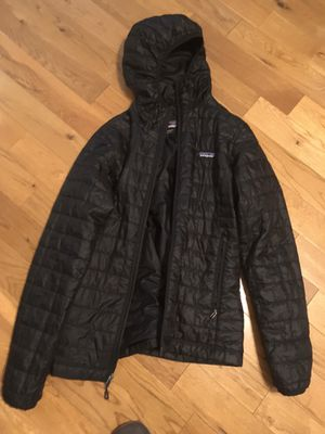 Patagonia women's large nano black hooded full zip , worn once for Sale in San Dimas, CA