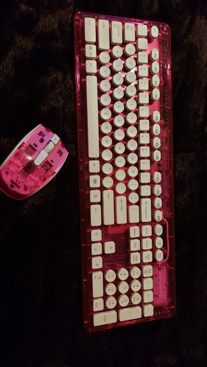 Wireless keyboard and mouse pink for Sale in Houston, TX