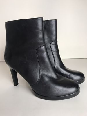 Black boots size 7.5 for Sale in Diamond Bar, CA