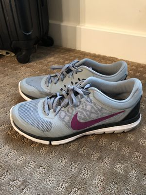 Grey Nike Tennis Shoes for Sale in Columbus, OH