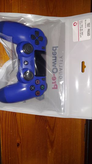 Ps4 controller for Sale in Apple Valley, CA