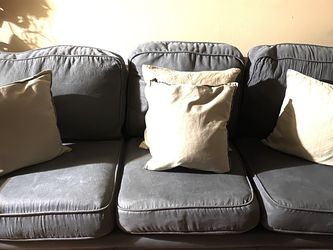 Grey sofa for Sale in San Pablo,  CA