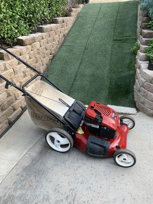 Craftsman Briggs and Stratton 675 series Lawn Mower for Sale in Whittier, CA