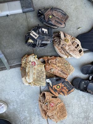 Baseball gloves for Sale in Murrieta, CA