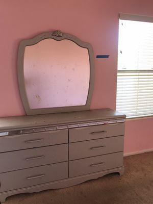 Girls Twin Silver & Rhinestone bedroom Sets for Sale in Las Vegas, NV