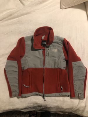 North face fleece jacket for Sale in Atlanta, GA
