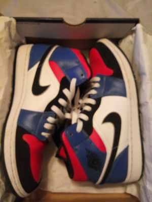 Air Jordan 1 mid size 9.5 for Sale in Lecanto, FL