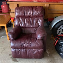 leather recliner for Sale in Palatine,  IL