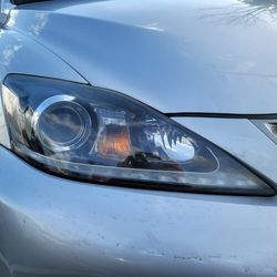 Lexus ISF HEADLIGHTS L/R OEM for Sale in Renton,  WA