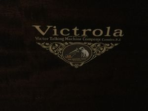 AntVictrola Talking Machine Company/ Record Player for Sale in Claymont, DE
