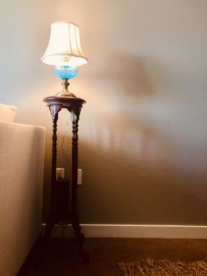 Vintage Lamp stand - perfect condition! for Sale in Austin, TX