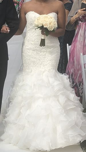 Kleinfeld wedding dress and veil for Sale in Queens, NY