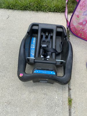 Car seat base for Sale in Pensacola, FL