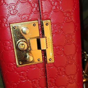 Fancy Bright Red Legitimate Gucci Purse for Sale in Chula Vista, CA