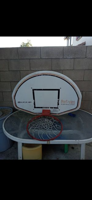 Basketball hoop for Sale in Fontana, CA