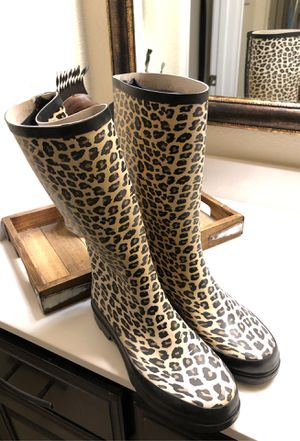 Rain boots size 8 for Sale in Burleson, TX