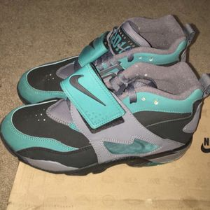 Rare Nike diamond turf - Size 8 for Sale in Rockville, MD