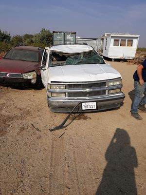 1997 chevy tahoe roll over parts truck prices per part or as a whole obo for Sale in Mojave, CA
