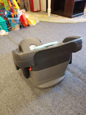 Uppababy Car Seat Base for Sale in Seattle, WA