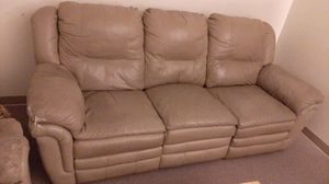 Free Couch for Sale in Hayward, CA
