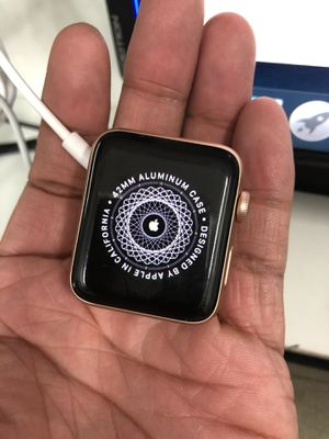 Apple Watch series 3 42mm for Sale in Las Vegas, NV