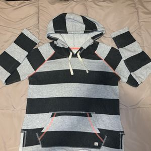 BILLABONG DESIGNER HOODIE FOR WOMEN for Sale in The Bronx, NY