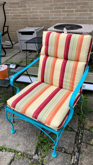 Two outdoor chairs w/pads for Sale in Brunswick, OH