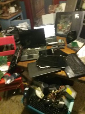 Various parts and near complete laptops and desktops for Sale in Shinnston, WV
