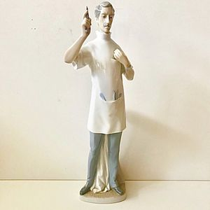 LLADRO dentist porcelain figurine for Sale in New York, NY