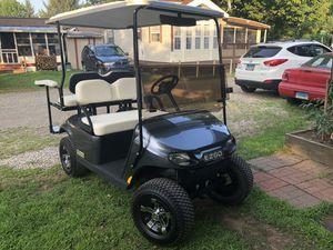Ez-go gas golf cart/Valor model for Sale in Windsor Locks, CT