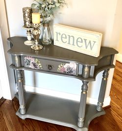 Gray floral accented vintage style refinished sofa console hall table for Sale in Portland,  OR