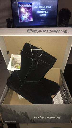 BEARPAW Val Women's Boots for Sale in Orlando, FL