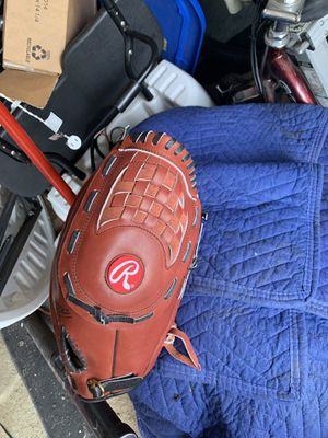 Brand new left-hand softball baseball glove Rawlings for Sale in Columbus, OH