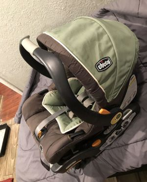Chicco car seat and base for Sale in Riverside, CA