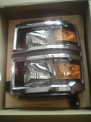 2014/15 Silverado 1500 Headlight for Sale in Winter Haven, FL