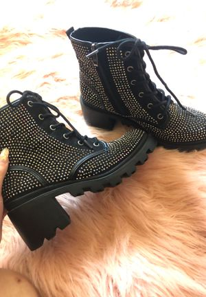 Steve Madden black Rhinestone Boots!!! Size 7.5 for Sale in Ontario, CA
