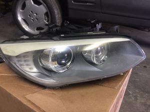 Bmw e90 3 series headlight for Sale in Tampa, FL