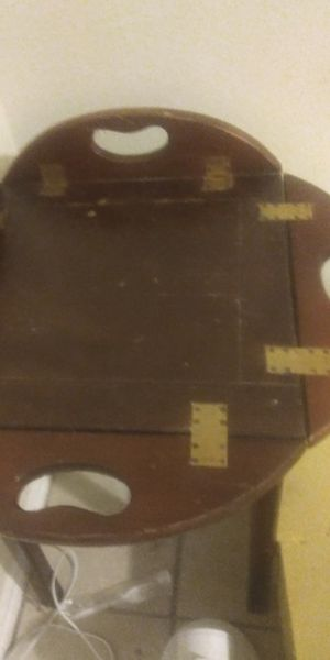 Antique end table with removable tray for Sale in Austin, TX