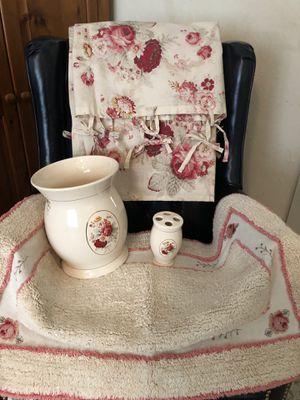 Waverly Norfolk Rose Bathroom set for Sale in Norcross, GA