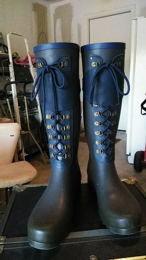Ugg Rain boots. Size 10 for Sale in Round Rock, TX