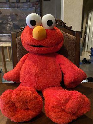 Elmo Love to Hug Elmo for Sale in Glendale, AZ